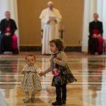 Papa encontra representantes leigos na audiência de 30 de abril