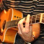 Paróquia São Vito, oferece curso de violão, teclado e teoria musical