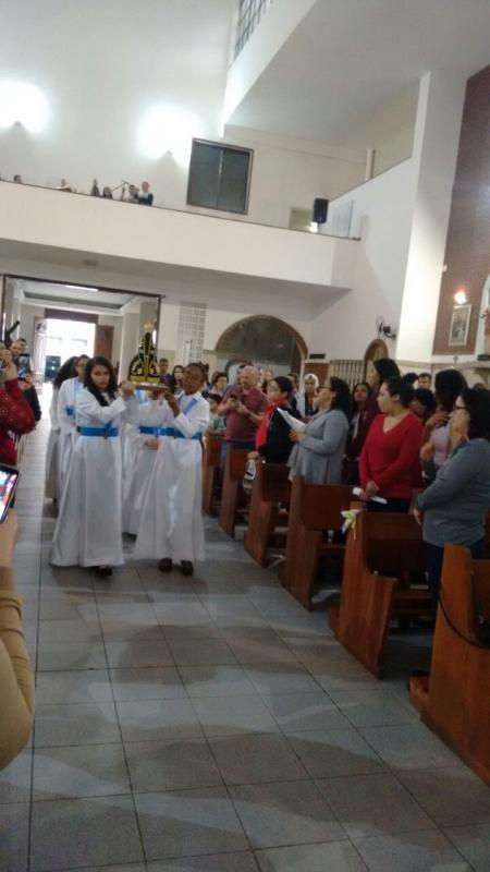 Grupo da Cruzada Eucarística e da Filhas de Maria