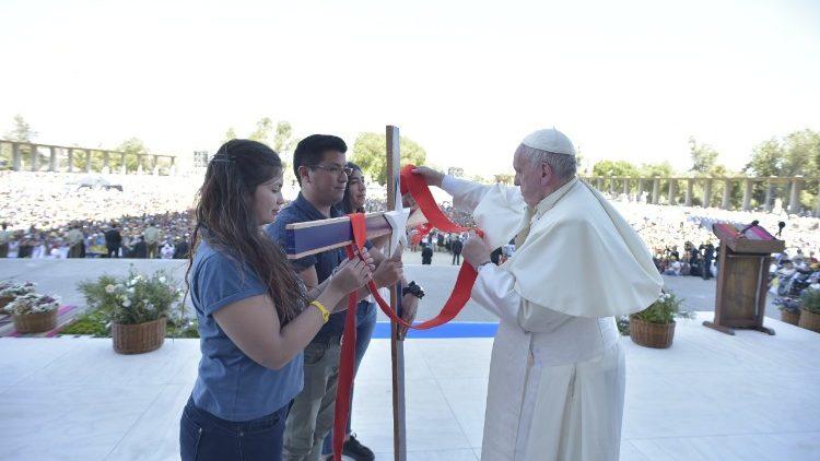 Papa: jovens se sintam e sejam protagonistas no coração da Igreja