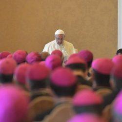 Nomeação e transferência de bispos para o Brasil