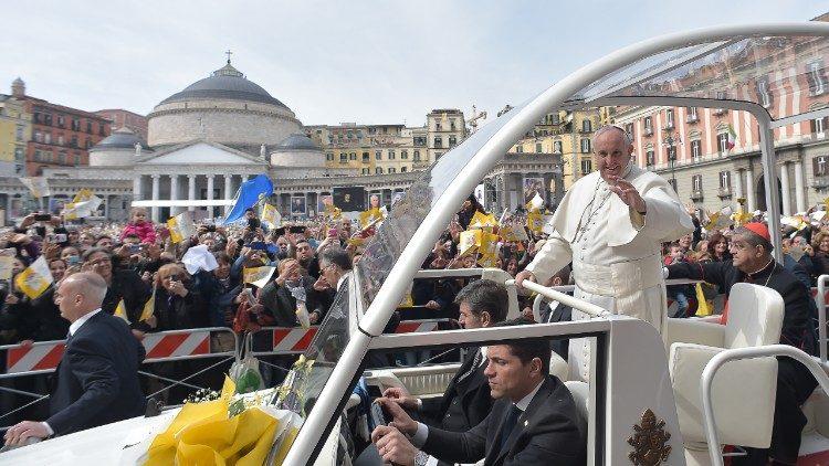 Papa em Nápoles 21 de junho para encontro em Faculdade teológica