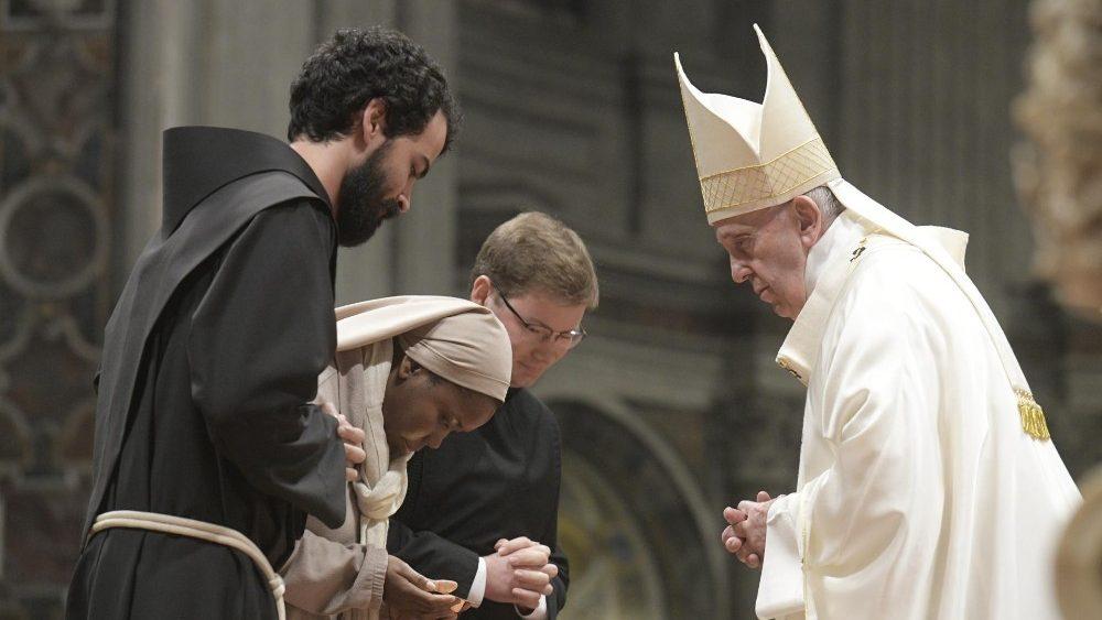 O Papa aos consagrados: saber ver a graça é o ponto de partida