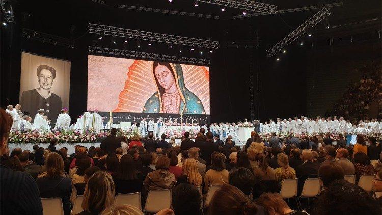 Beatificações adiadas, Becciu: não podem ser substituídas por cerimônias virtuais