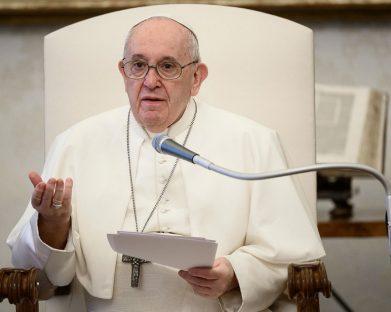 O Papa na Audiência Geral: Davi é nobre porque reza. A oração nos dá nobreza